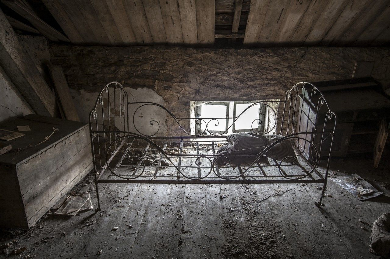 Abandoned mansion in luxembourg urbexclown photography
