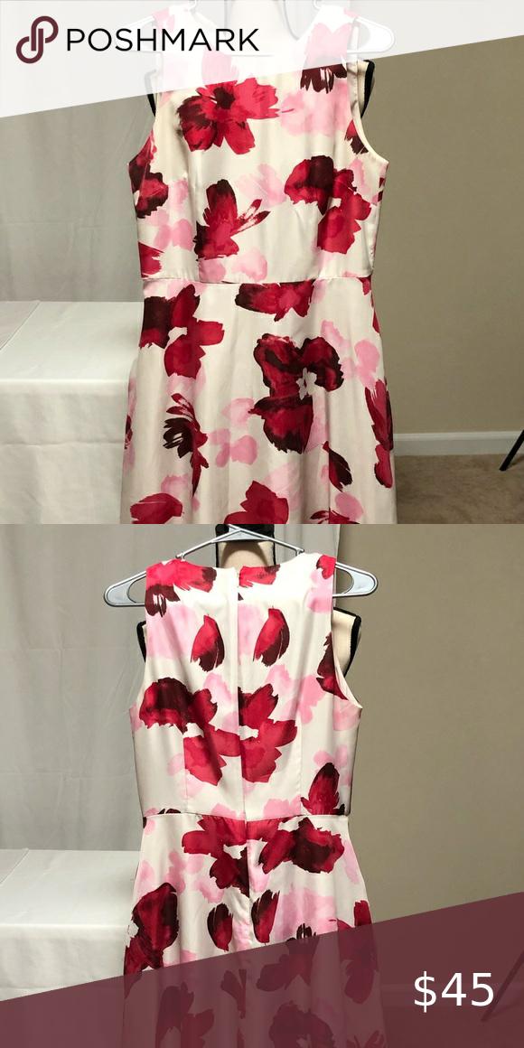Donna Morgan Beautiful Flower Dress 🌺