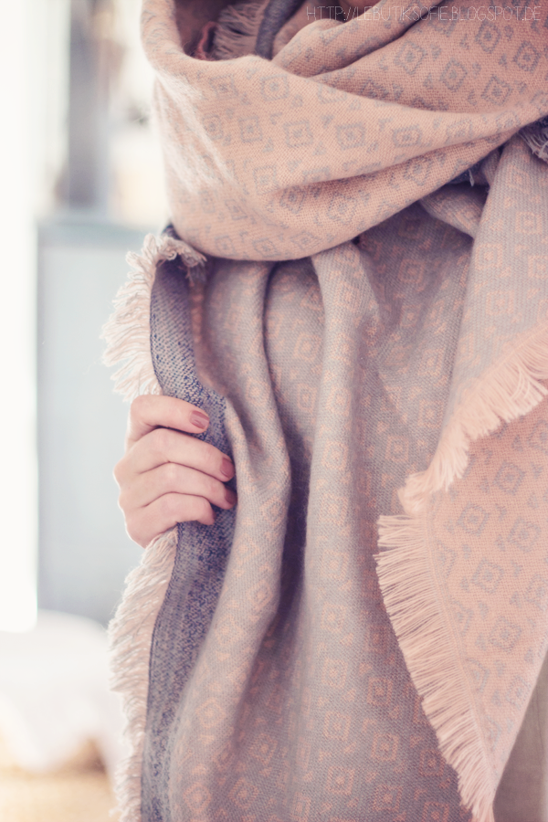 Schal rose bleu | Herbsttrend mode | Pinterest | Butiksofie ...