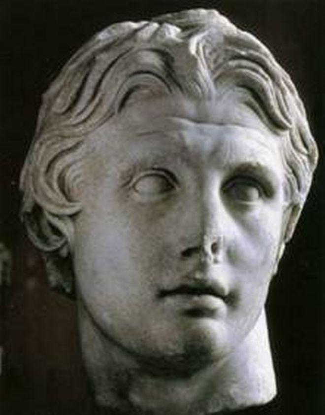 Μηχανή του Χρόνου: Ο Μ. Αλέξανδρος της Ακρόπολης. Το περίφημο γλυπτό μετά την επίσκεψή του στην Αθήνα - NEWS247