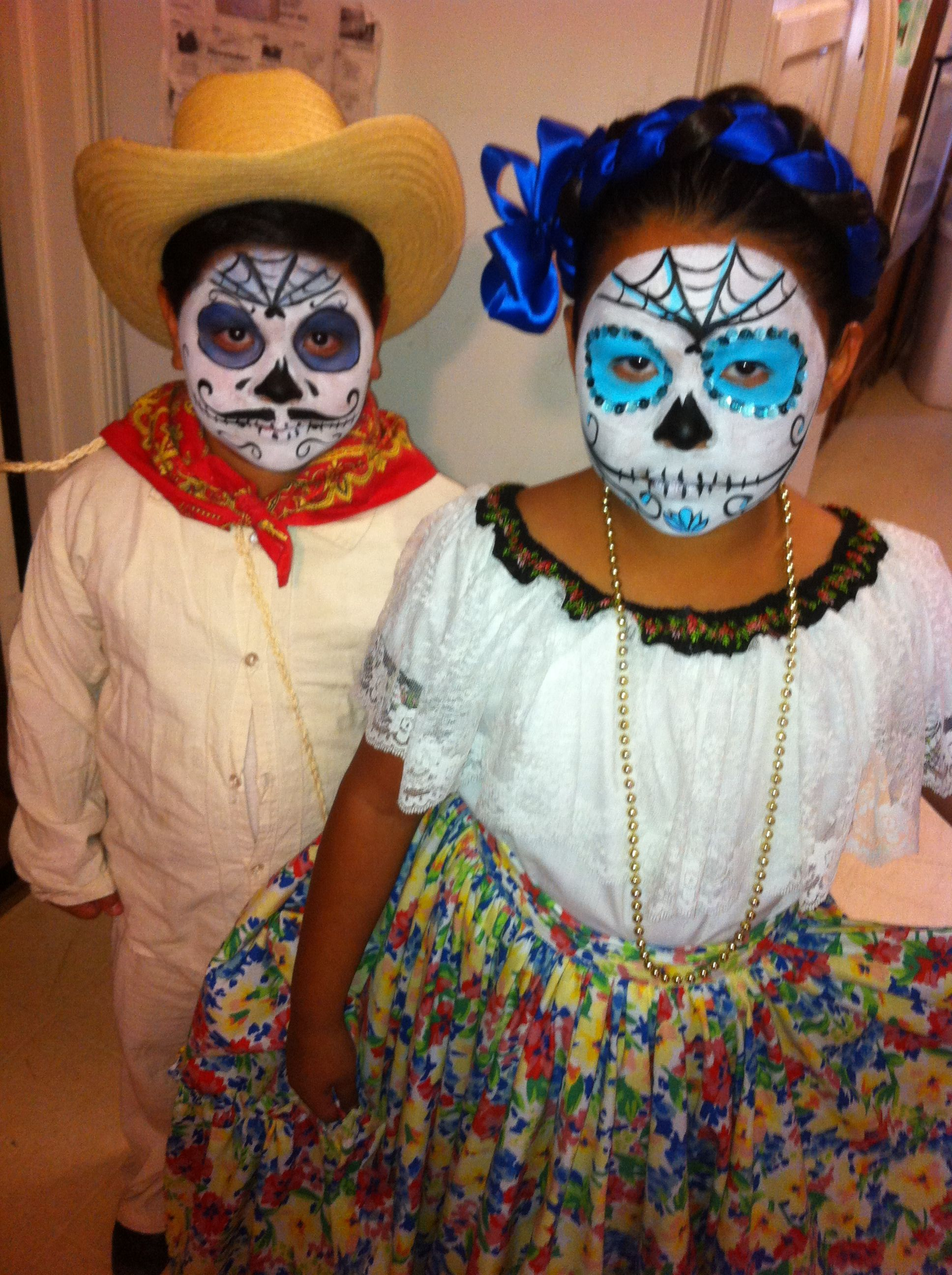 Dia De Los Muerto Twins !!
