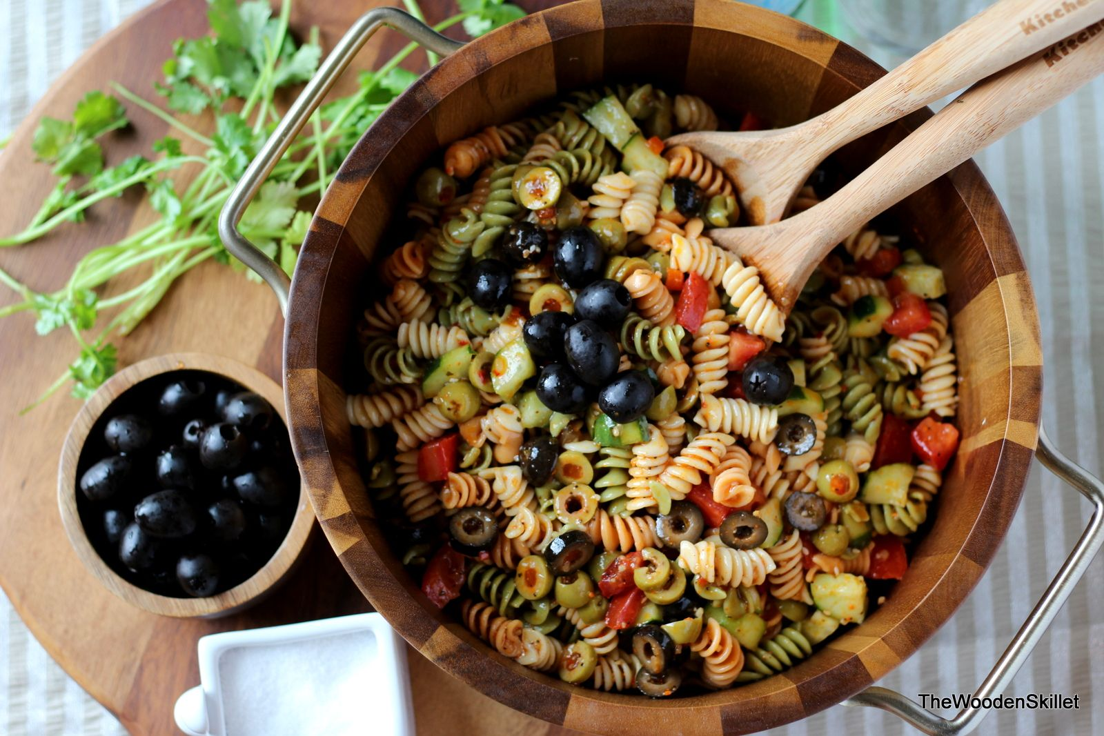Italian Summer Pasta Salad - the best recipe for a quick and easy pasta salad to bring to your next cookout or get-to-gether!  thewoodenskillet.com