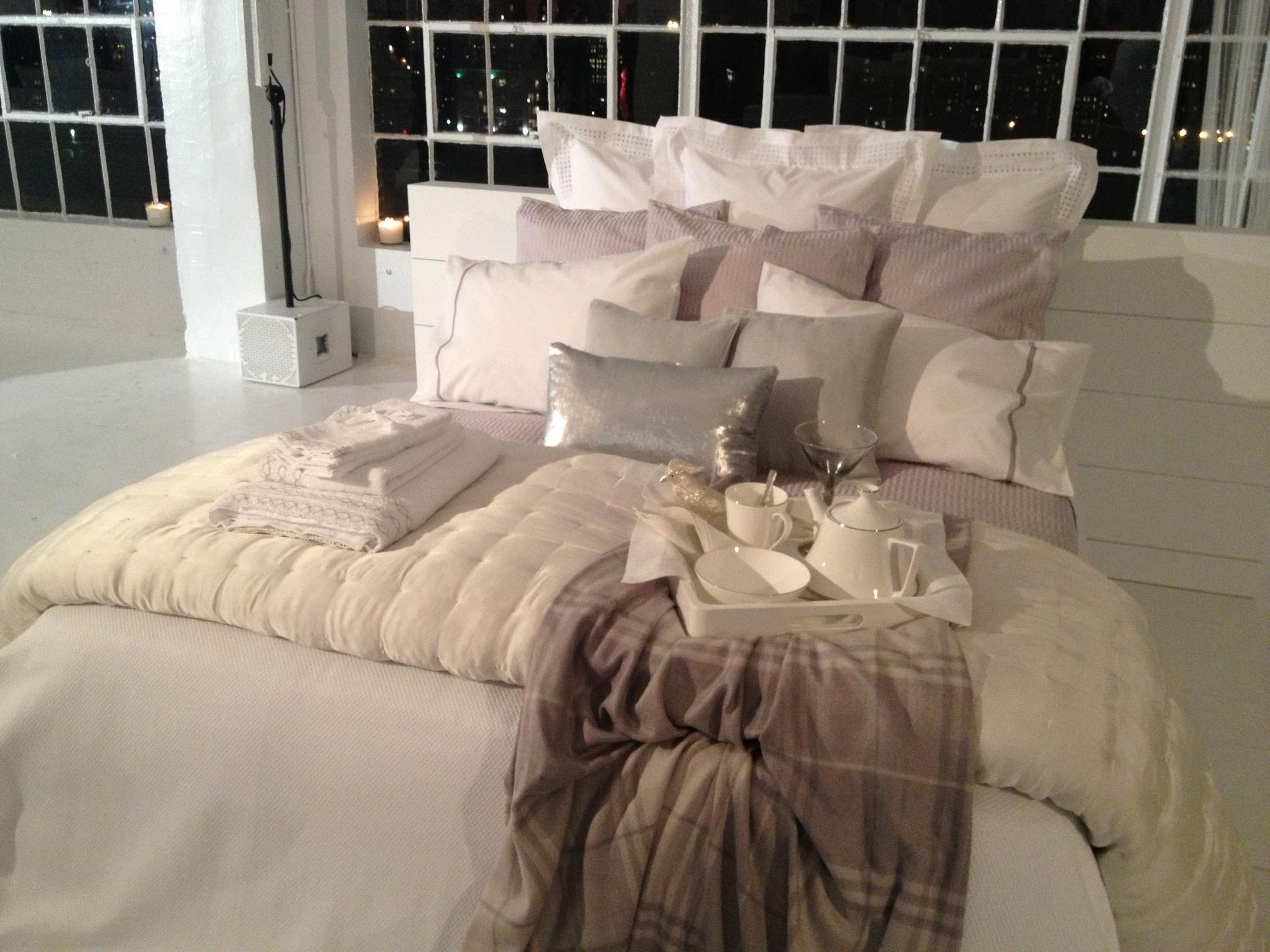 zara home gold cushion - Google-søgning | Gold cushions ...