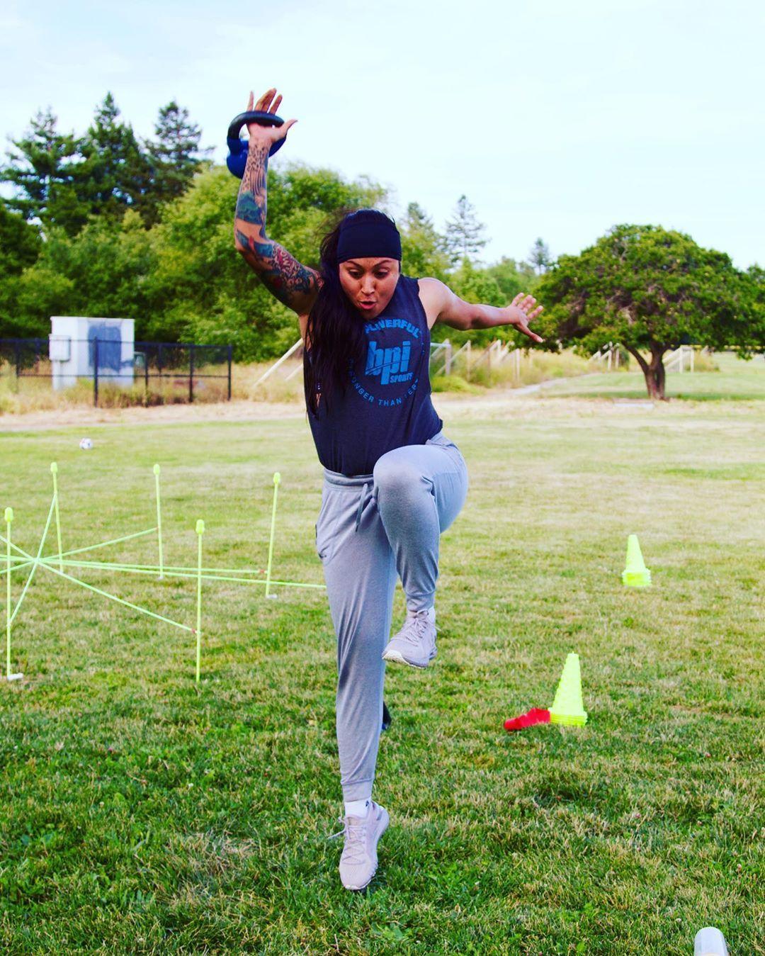 Power up #kettlebellworkout #kettlebell #runner #marathontraining #speed #mastertrainer #gains #fitn...