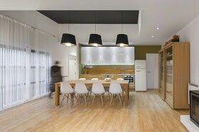 Parquet in cucina + tavolo/piano lavoro