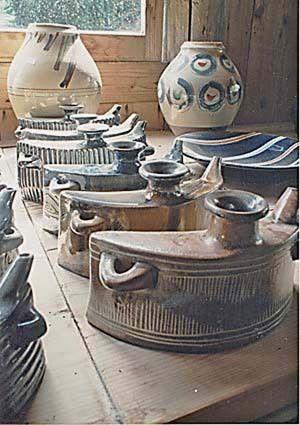Arte en el reino de Ryukyu -  Artesanía, Licoreras portatiles de cerámica