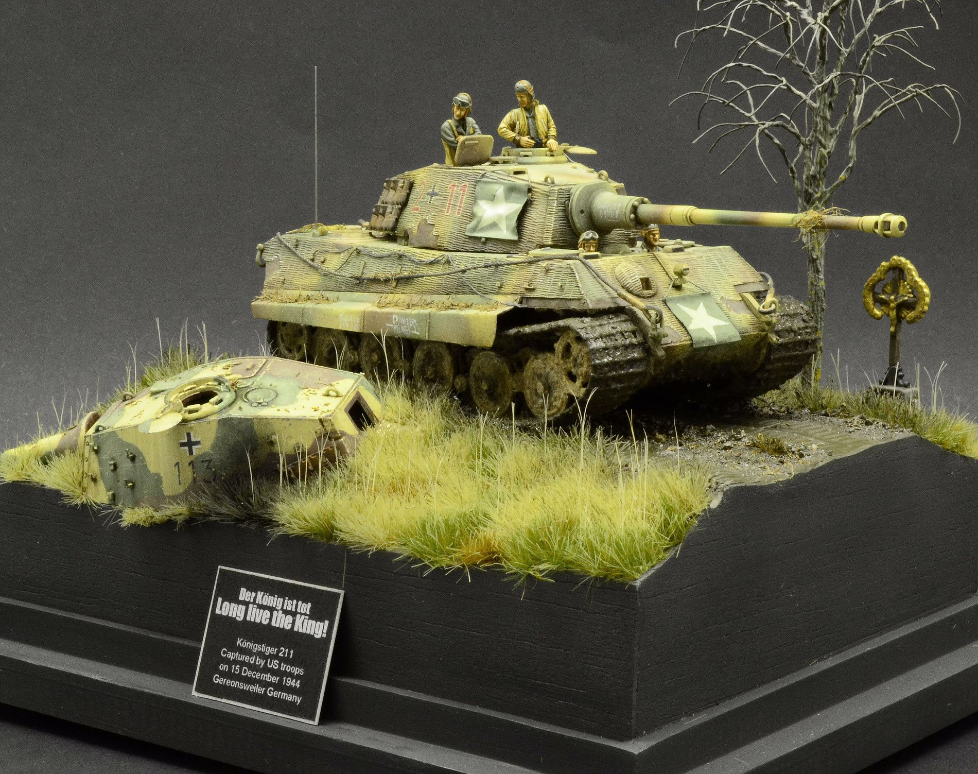 Master model maker military scale diorama king tiger for Scale model ideas
