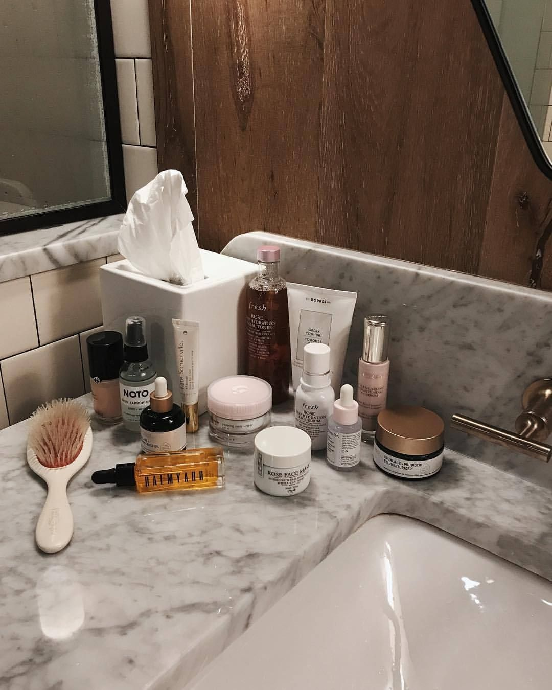 Pin by 🍒 on SELF CARE in 2020 Beauty vanity, Beauty skin