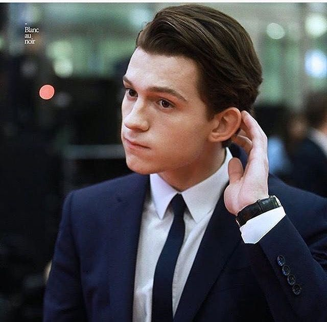 Christmas With The Stark's - 13 - Tom holland, Holland, Tom holand - 웹