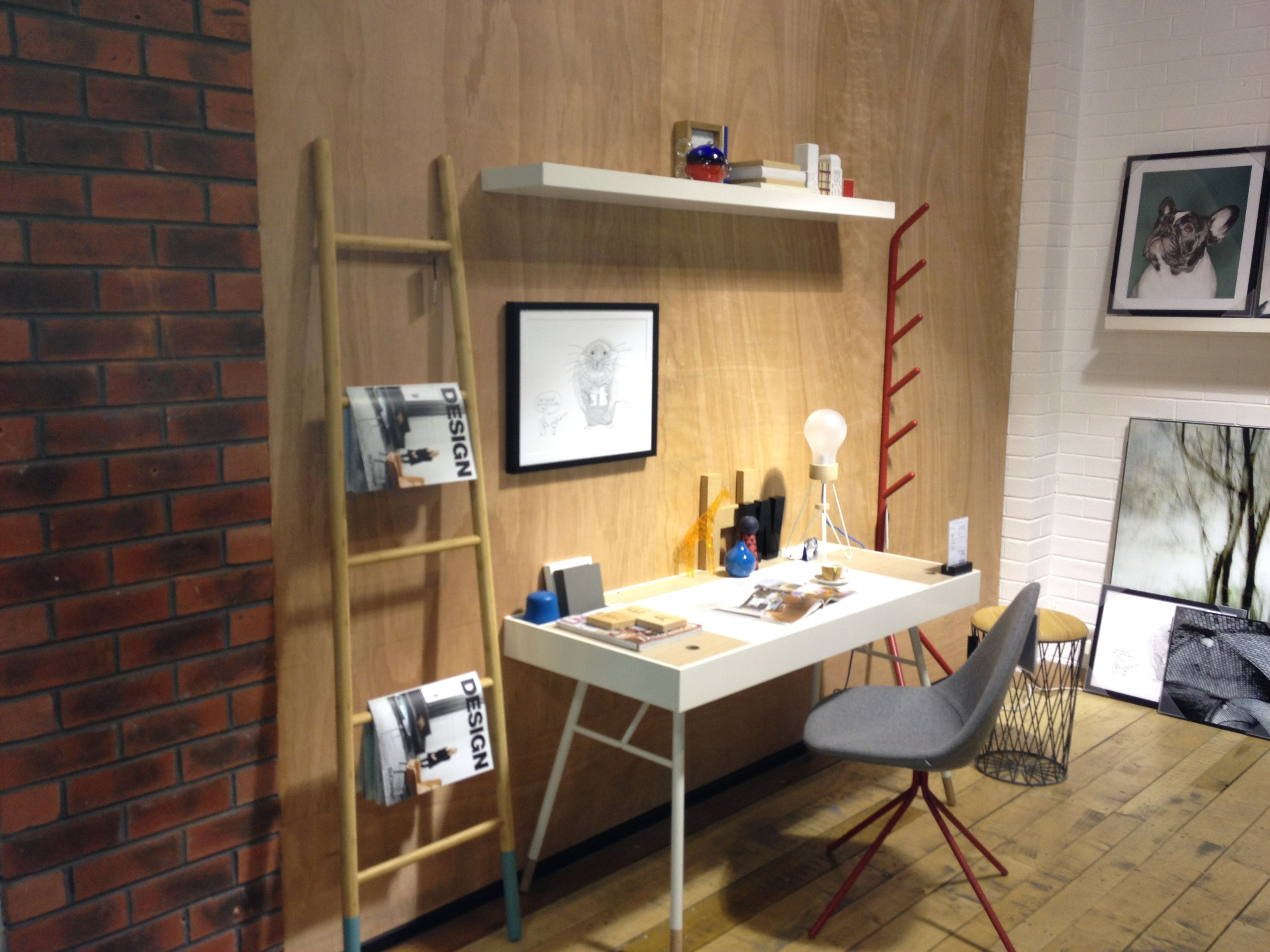 Boconcept cupertino desk with ottawa chair design for Boconcept bureau
