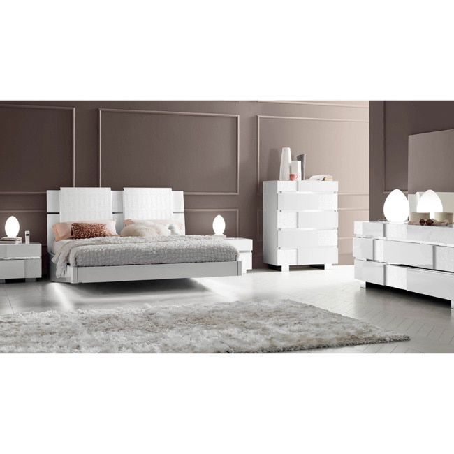 Luca Home White Modern Queen Bedroom Set (White Bedroom set ...