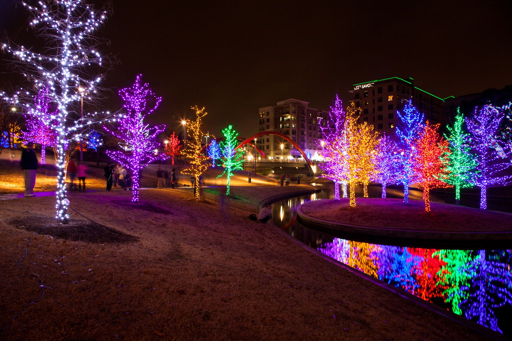 9 places to see the best christmas lights in north dallas