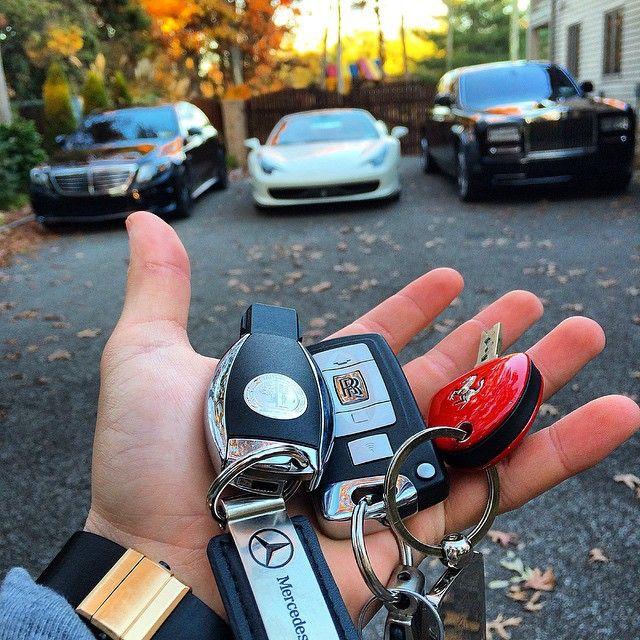The Luxury Lifestyle Magazine Rich LifeCar