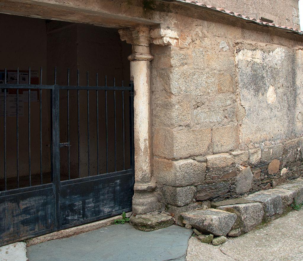 #IglesiadeSantiagoApóstol en #Mellanes, modesta #iglesiaromanica del siglo XI.  http://bit.ly/1RqfdpA