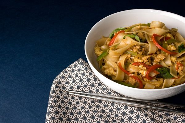 Pad Kee Mao (Spicy Ground Chicken and Rice Noodles) to make this, WORLDFOODS has a convenient easy sauce for this, which is Thai Basil Curry or Thai Basil Chili