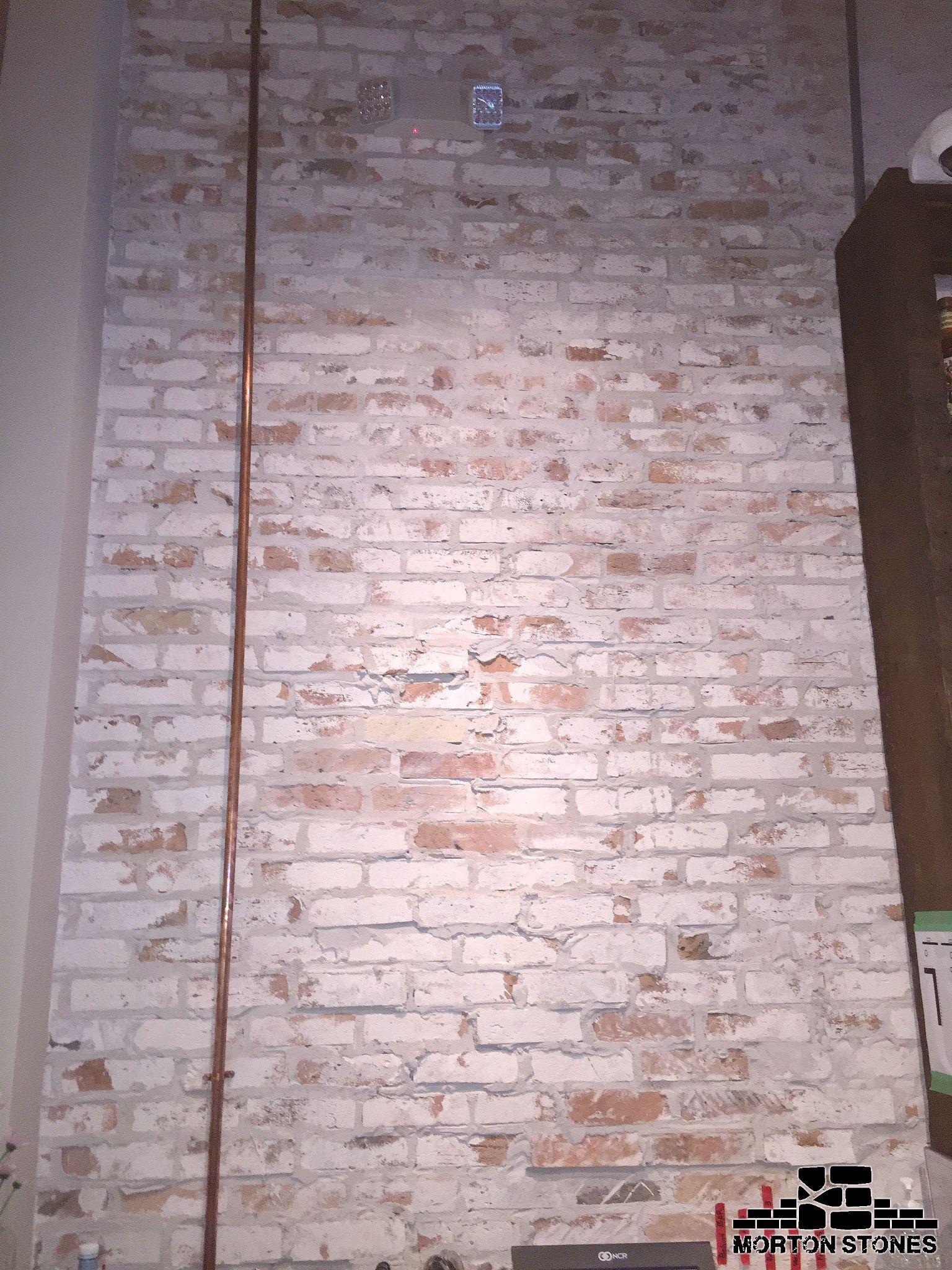 This An Example Of A Perfect Whitewashed Brick Veneer Wall Mortonstones Brick Brickwall Rustic Decor Br Brick Veneer Wall White Wash Brick Brick Veneer
