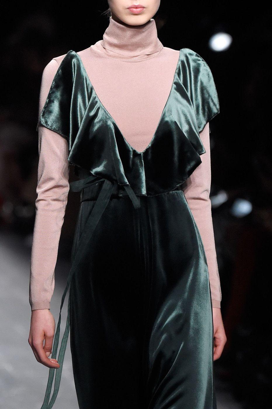 valentino paris fashion week fall 2016 sch ne kleider pinterest samt. Black Bedroom Furniture Sets. Home Design Ideas
