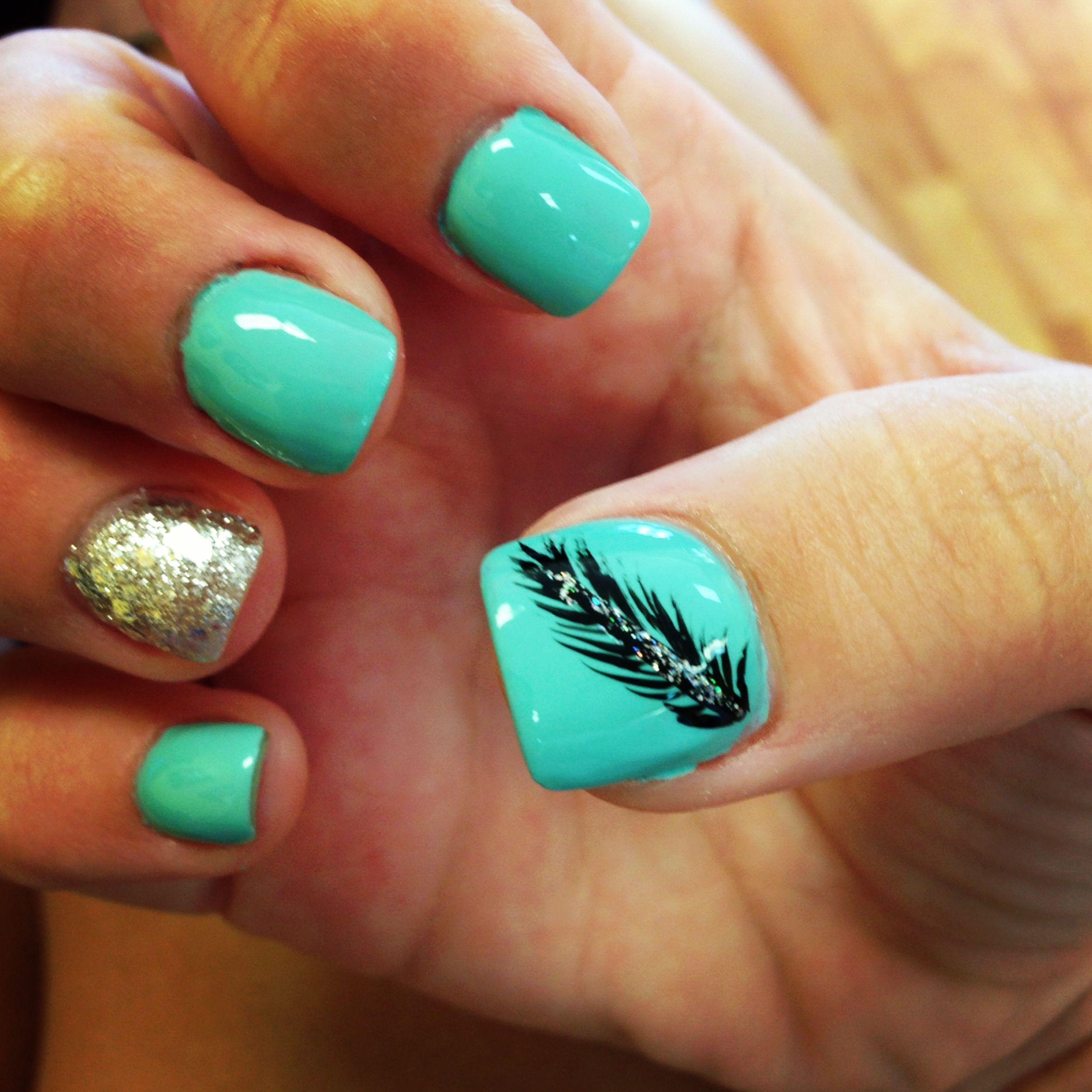 Feather nails | nails (: | Pinterest | Feather nails, Feathers and ...