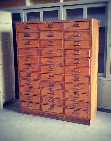 Interior design recupero vecchia cassettiera da ufficio for Cassettiera industriale vintage