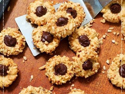 Resep Peanut Choco Thumbprint Cookies Renyah Step By Step Oleh Tintin Rayner Resep Resep Kue Kering Mentega Ide Makanan