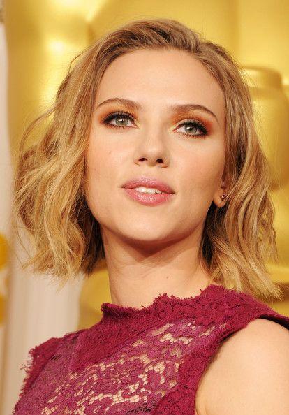 More Pics Of Scarlett Johansson Short Wavy Cut Les Plus Beaux