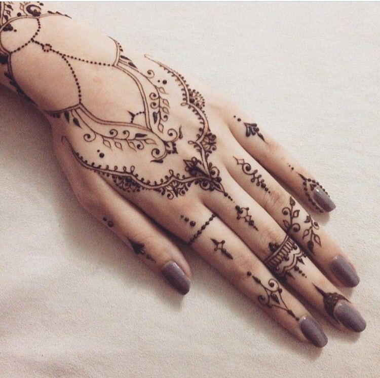 Henna Tattoo Hand Amazon: Pin De Areebz Em Henna/ Mehndi/ Tats