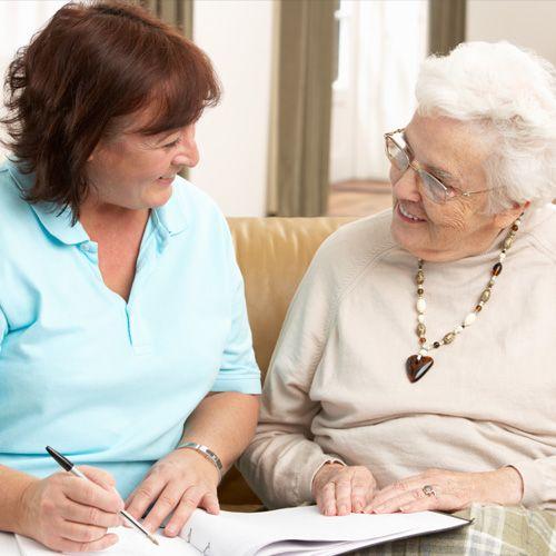 Heeft u vragen over wonen, zorg, welzijn, vervoer of financiën? De ouderenadviseur geeft u graag advies en ondersteuning.