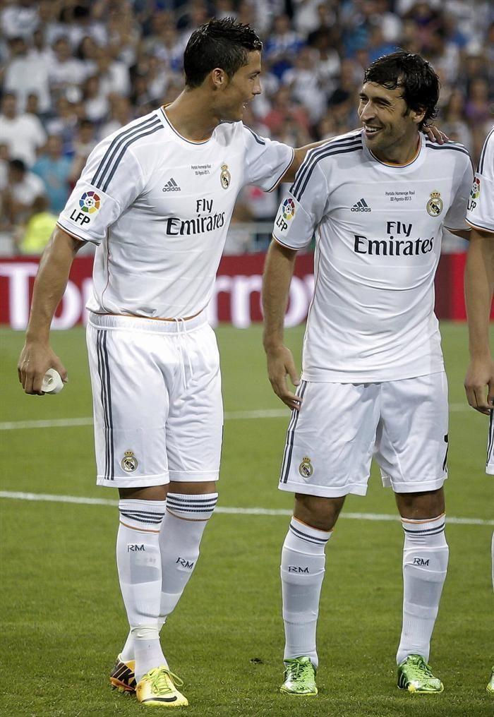 Cristiano Ronaldo Y Raul Ayer Cristiano Ronaldo Ronaldo Football Ronaldo