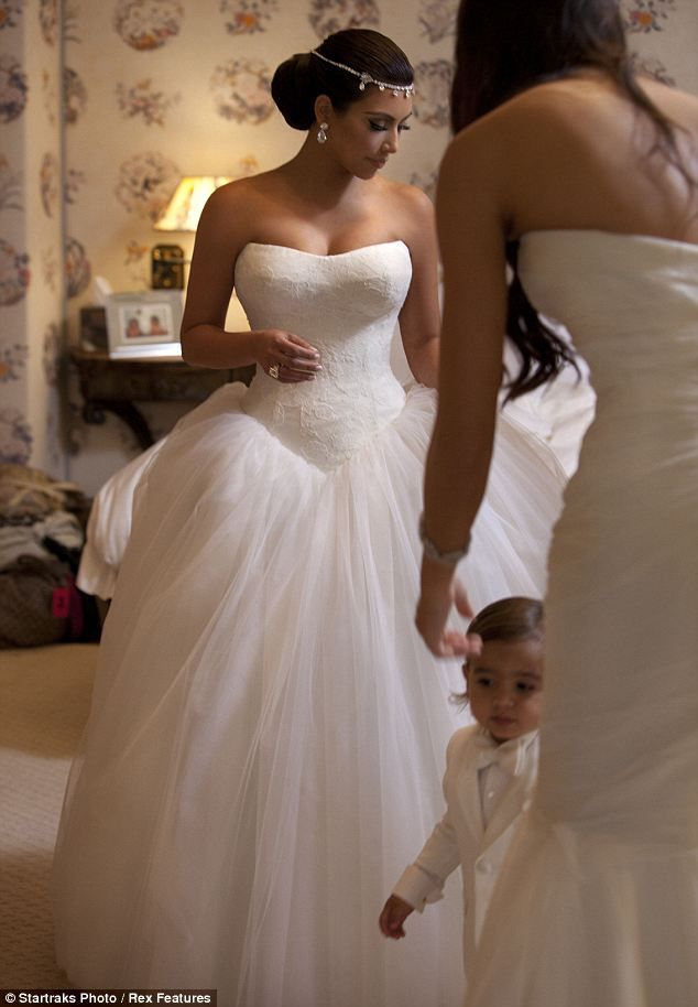 Inside Kim Kardashian\'s fairytale wedding to Kris Humphries: the ...