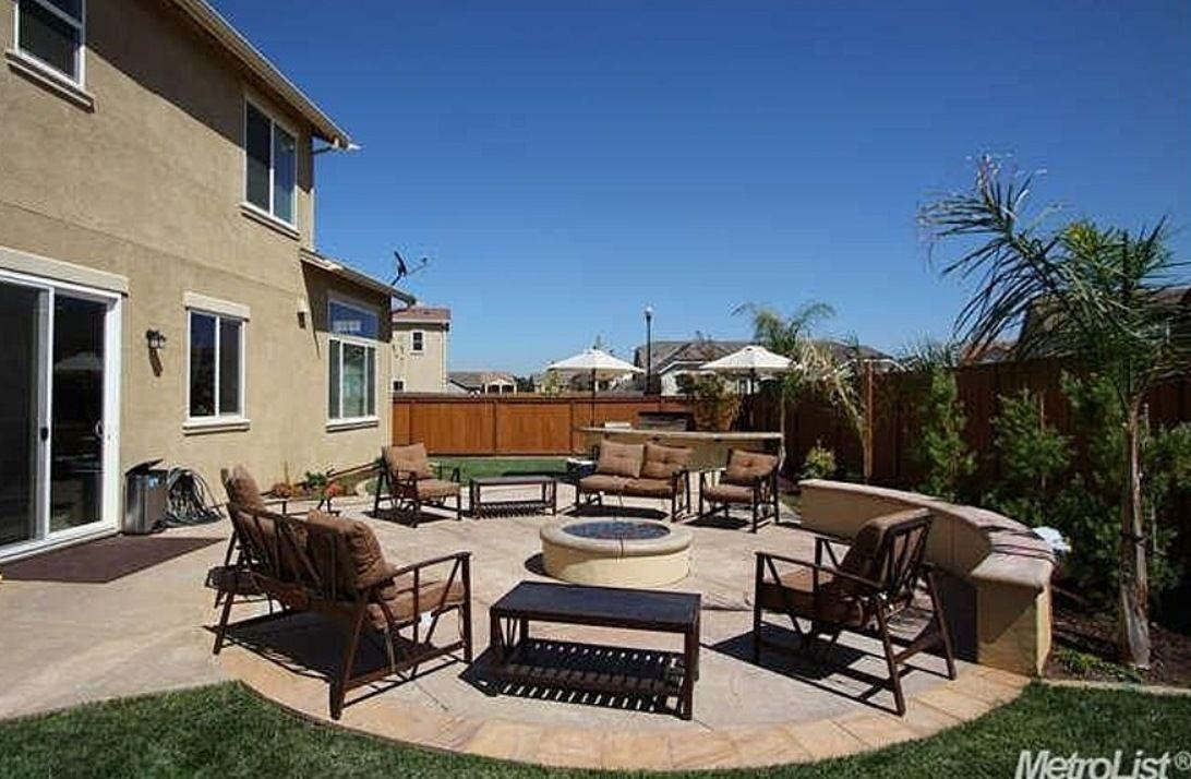 flat yard landscape   Backyard, Yard landscaping, Yard