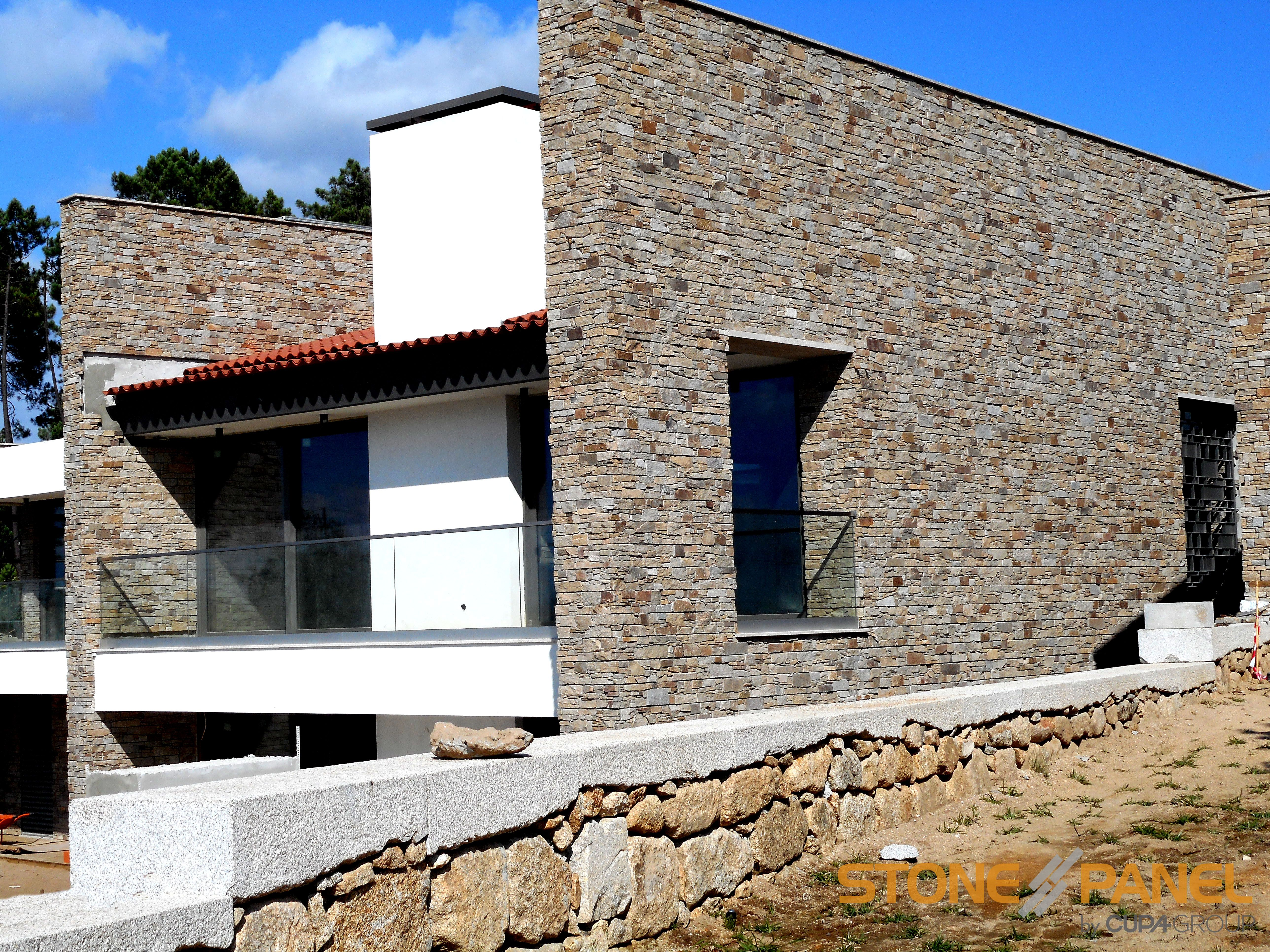 Arquitectura Contemporánea En Un Entorno Natural Gracias A Un Revestimiento  De Piedra Natural, STONEPANEL®