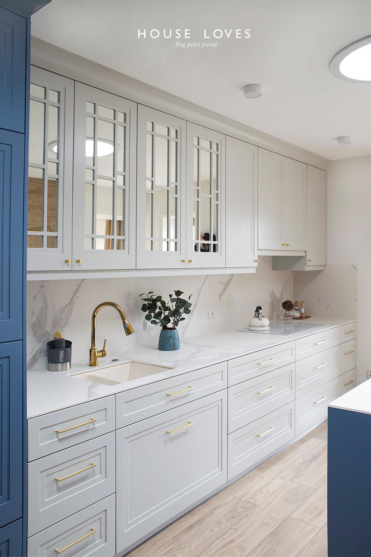 Granatowa, elegancka kuchnia stylu klasycznym, nowojorskim - projekt NAVY by