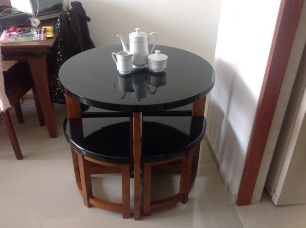 Decora hogar comedores modernos y peque os para comer con for Comedores redondos pequea os