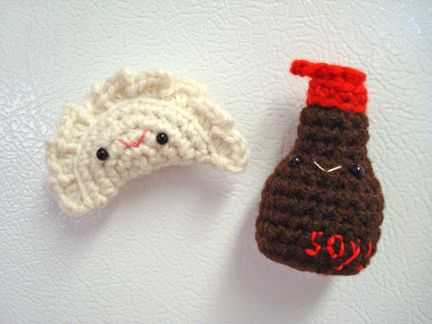 Review - Dumpling Cats by Sarah Sloyer - Craftyism | 324x432