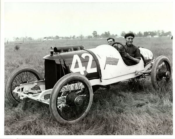 Eddie Rickenbacker in the N°42 Duesenberg - 1914 Indianapolis 500 Race Meeting.