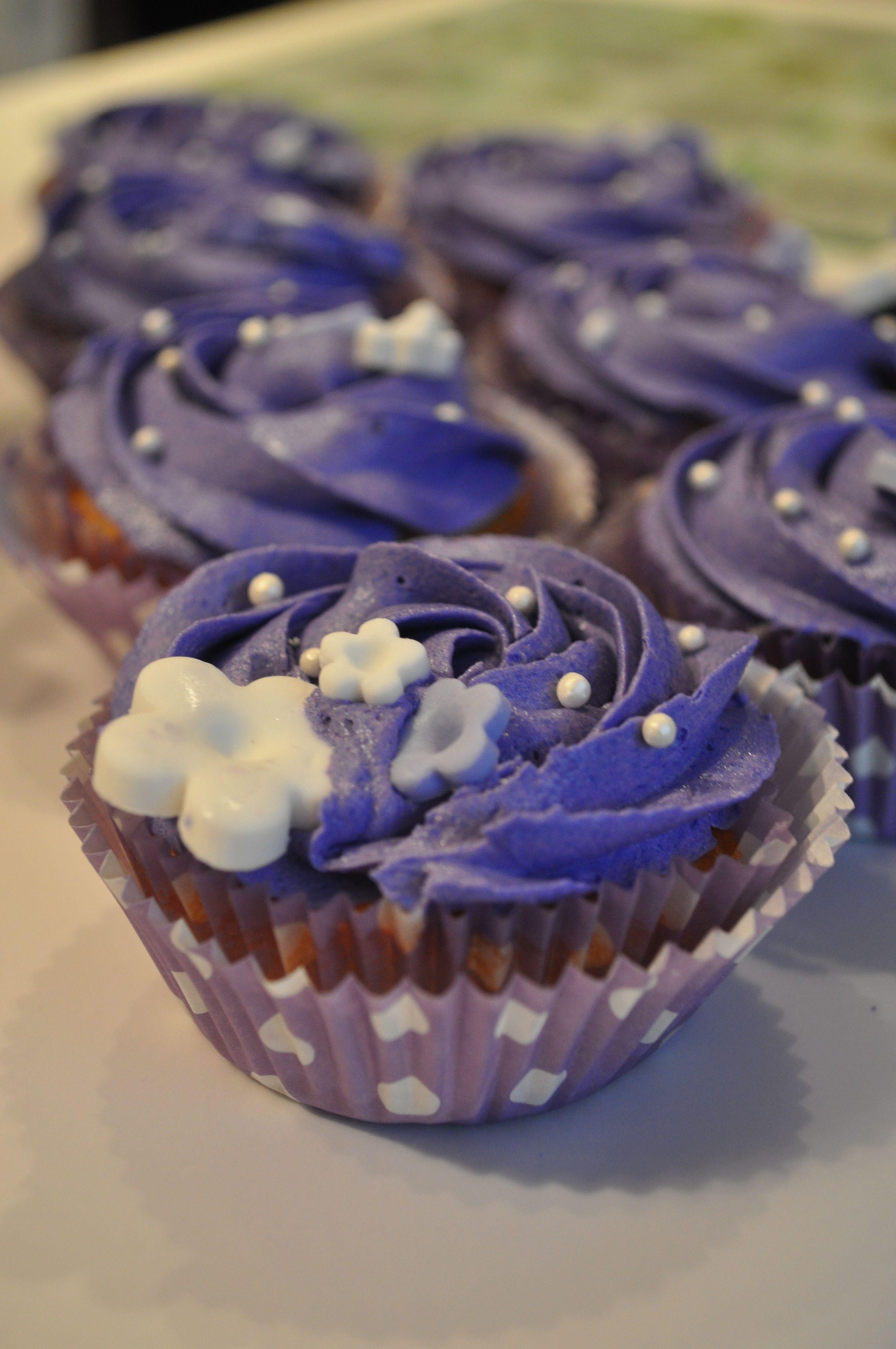 Cute violet cupcakes