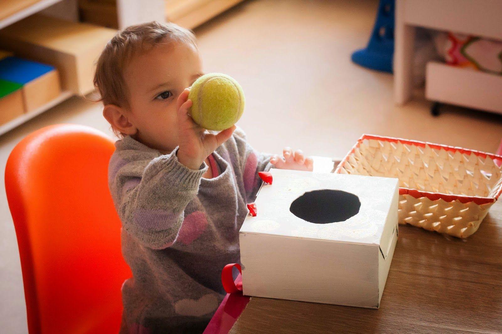 4 juguetes diy montessori para tu peque estimulacion temprana pinterest juguetes. Black Bedroom Furniture Sets. Home Design Ideas