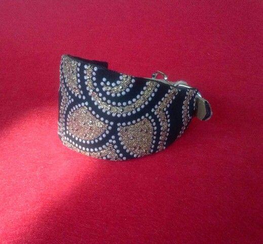 Greyhounds necklaces handmade by myself. Collares para galgos hechos por mi