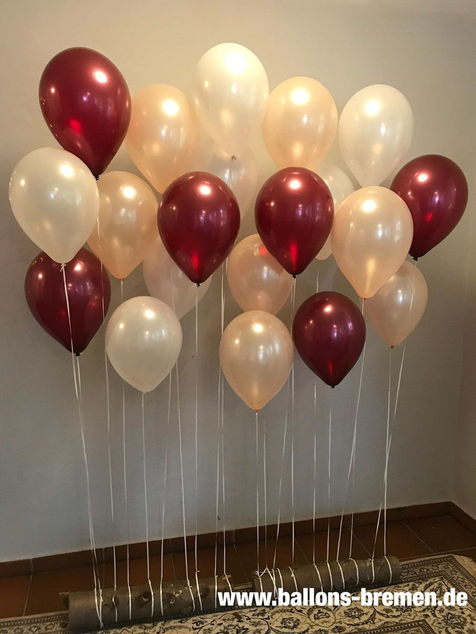 Heliumballons Latexballons Folienballons Heliumflaschen Folienherzen Hochzeitsballons Bei Uns Finden Sie Auch Da Ballonwand Ballons Hochzeit Luftballons