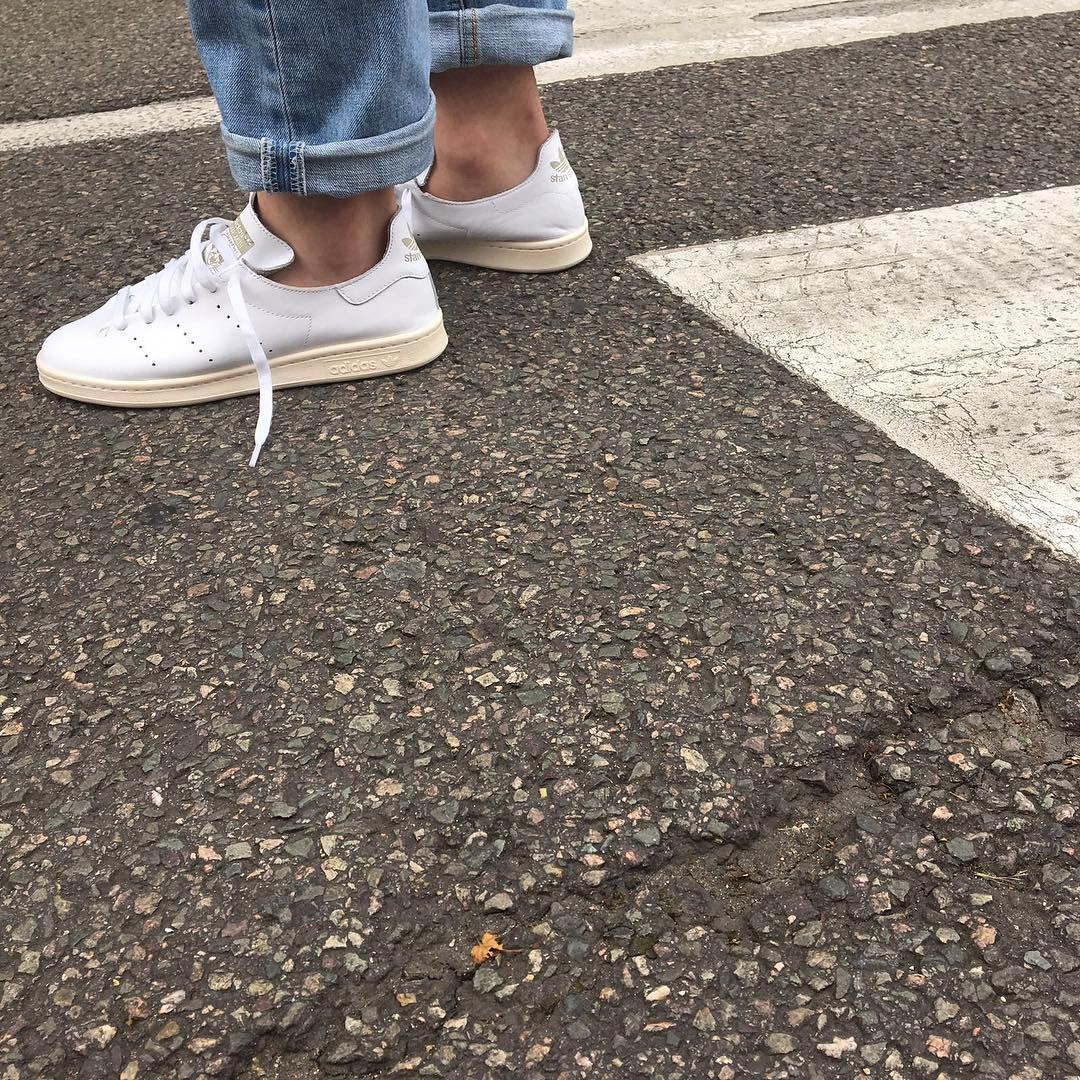 ADIDAS STAN SMITH LEA SOCK (WHITE) on feet