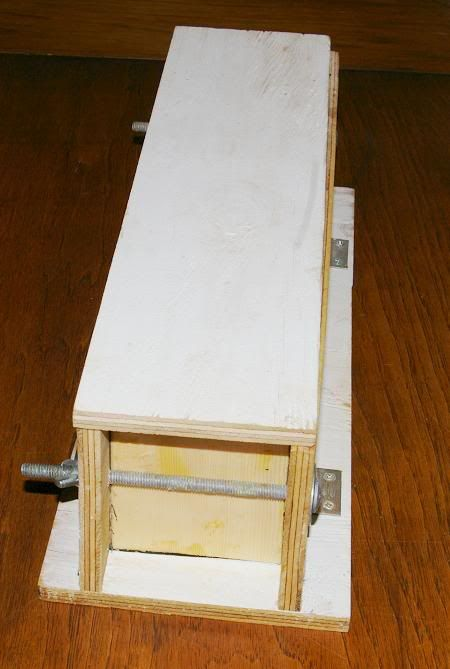 Diy Soap Mold From Plywood Hinges On The Long Sides Easy To Lower