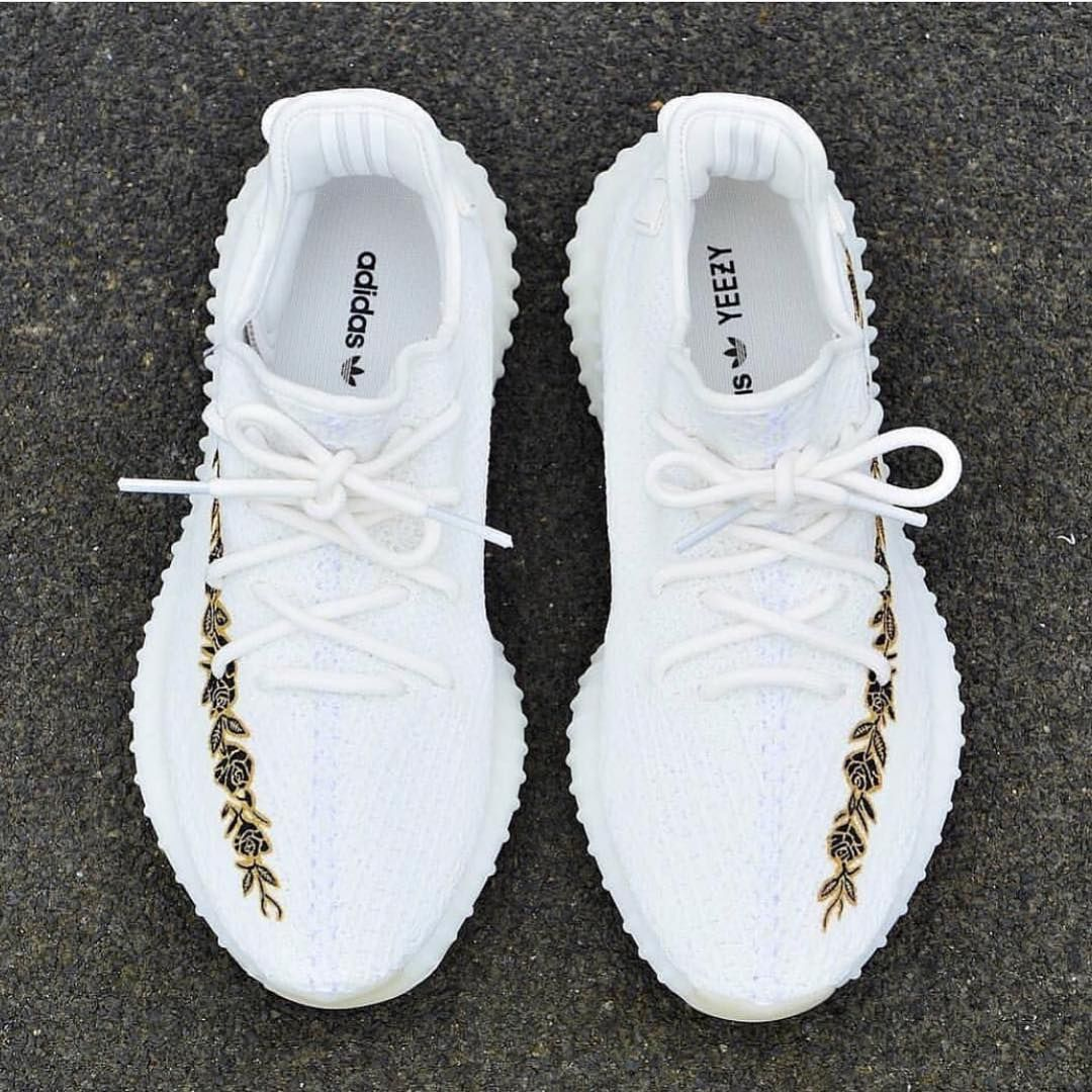Crazy Yeezy Customs Follow @BoostSeason for more! If these