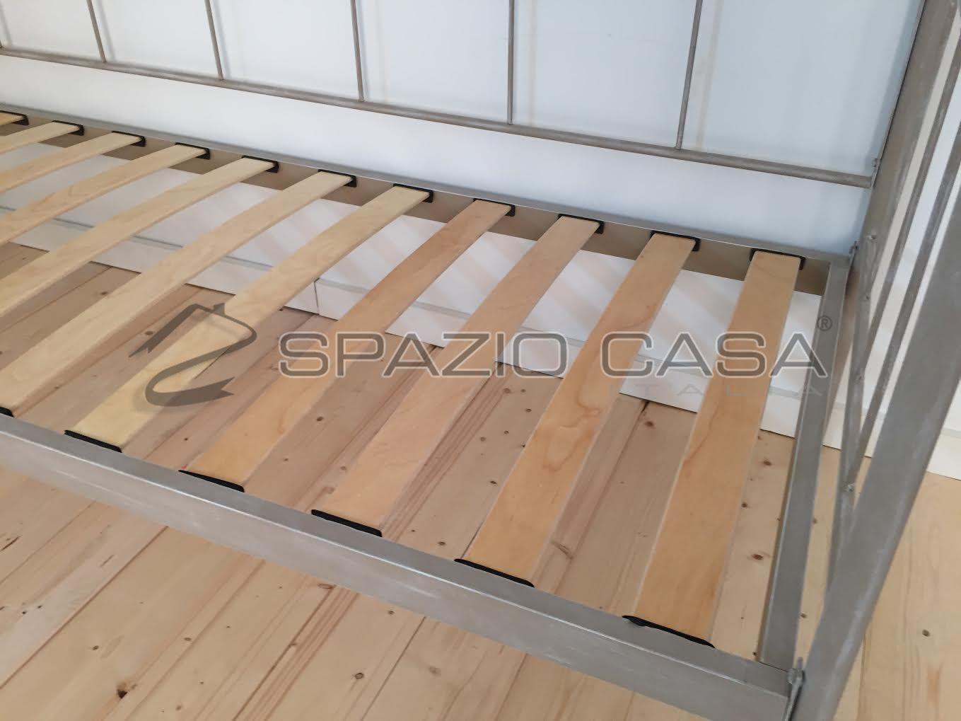 Dettaglio rete a doghe divano letto ferro battuto | camere torri ...