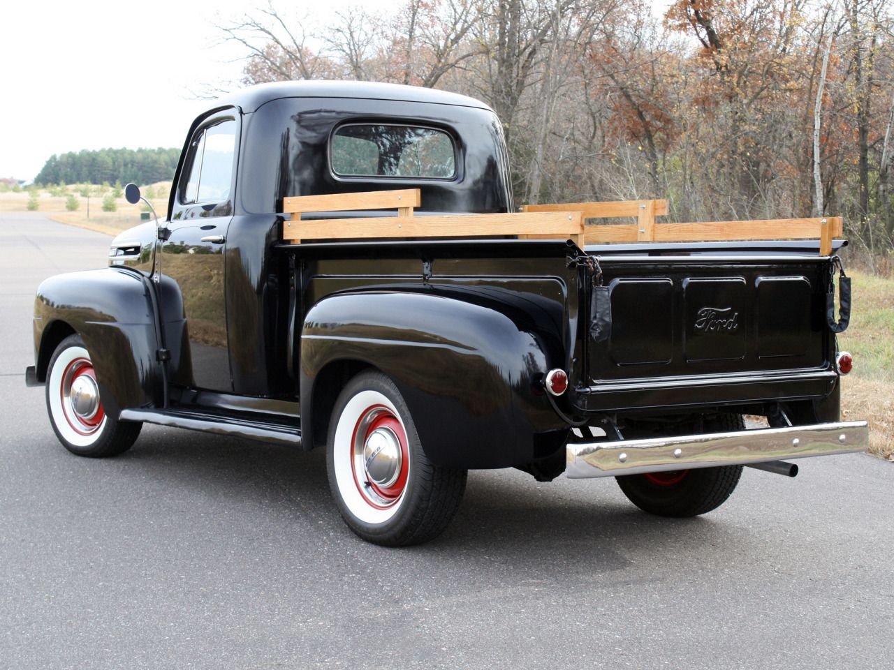 Enjoy Car If You Are American And You Don T Own One Of These Classic Trucks Chevy Trucks Old Pickup Trucks