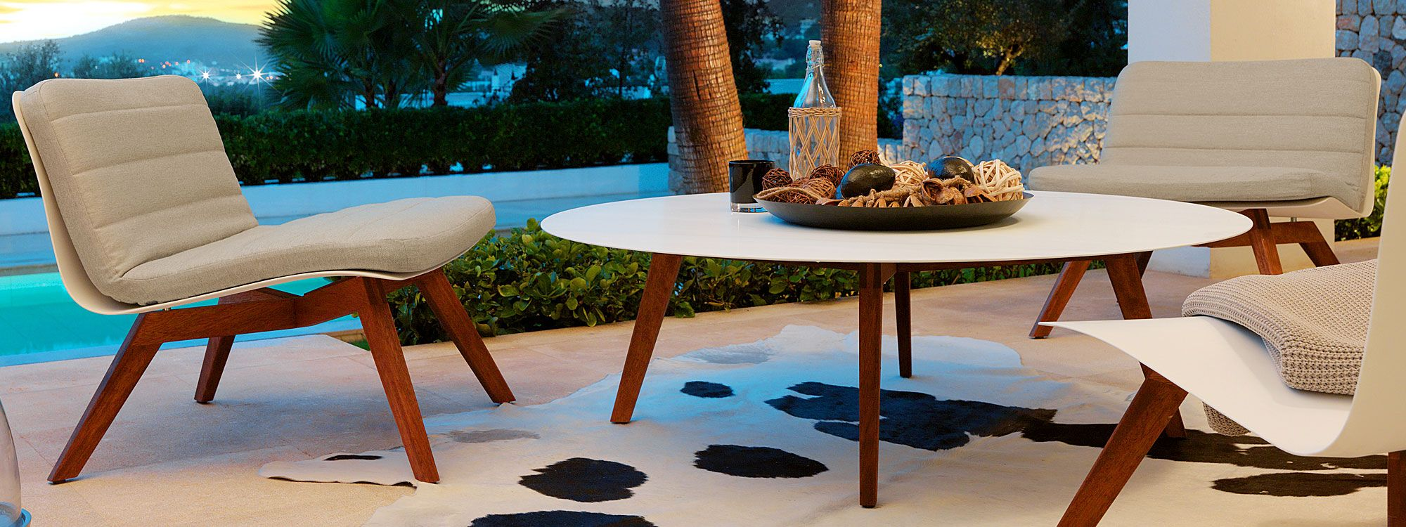 VITEO SLIM MODERN Outdoor LOUNGE Furniture | Luxury Design GARDEN Furniture  By Wolfgang Pichler | ARCHITECTURAL