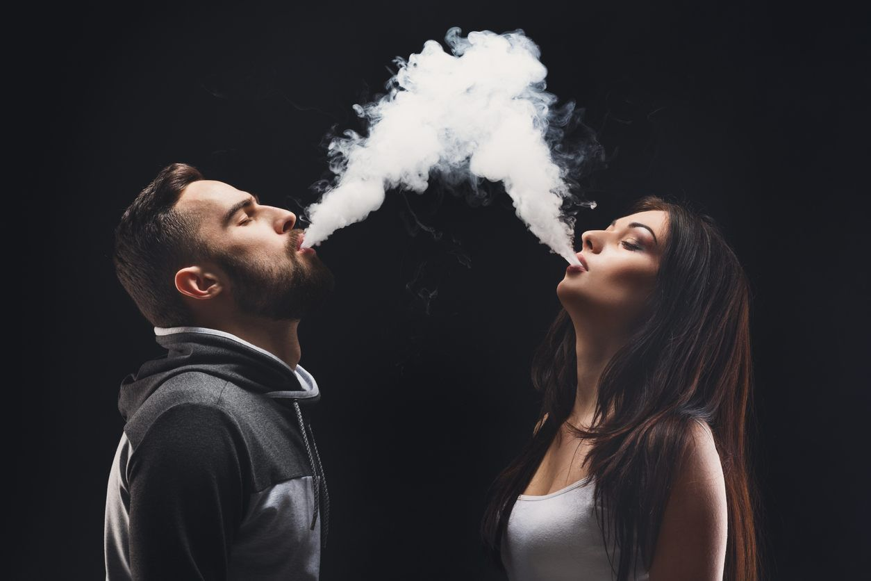 Vaping In Wedding Photos Is New Viral Trend According To Twitter Wedding Photos Couples Photoshoot Vape Trends for smoke weed boy wallpaper hd