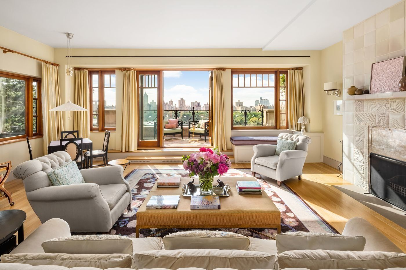 New York City Triplex By Frederick Fisher And Partners Nyc Penthouse Penthouse For Sale Expensive Houses