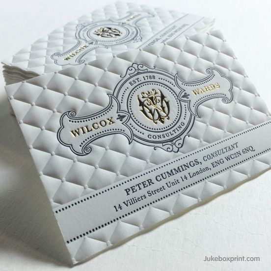 Pin By Buzz Creative On Tarjetas De Visita Embossed Business Cards Business Cards Creative Luxury Business Cards