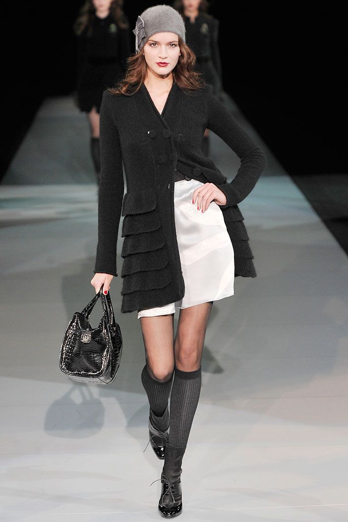 Emporio Armani - Fall 2009 Ready-to-Wear - Look 9 of 59