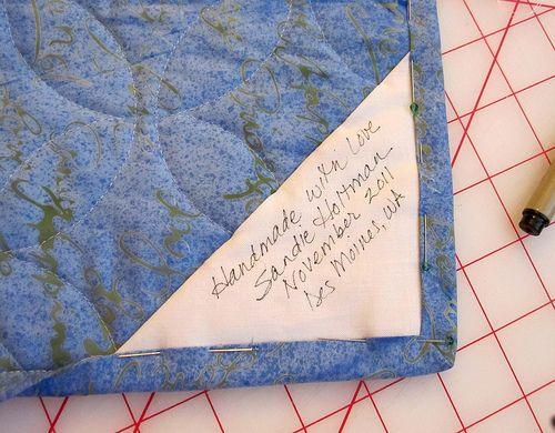 3a84ea285034 Avoiding quilt labels? | Tutorials | Quilt labels, Easy quilts ...